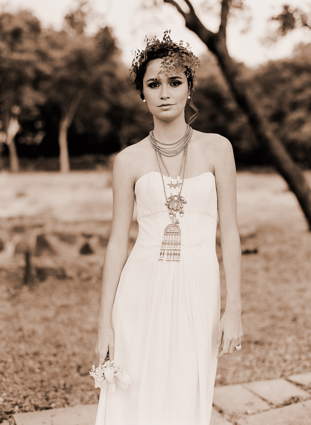Styled-wedding-santa-barbara-chic-beaux-arts-phtographie-italian-bohemian-wedding-bride-wedding-dress--sepia-115.full