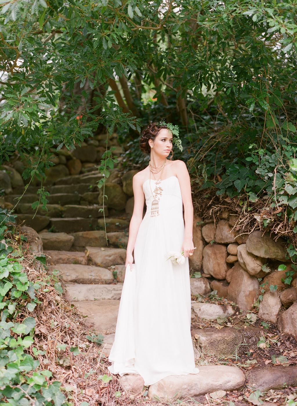 Styled-wedding-santa-barbara-chic-beaux-arts-phtographie-italian-bohemian-wedding-bride-wedding-dress-104.full
