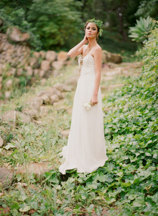 styled-wedding-santa-barbara-chic-beaux-arts-phtographie-italian-bohemian-wedding-bride-wedding-dress-107