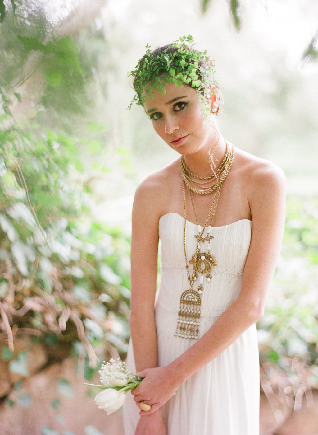 Styled-wedding-santa-barbara-chic-beaux-arts-phtographie-italian-bohemian-wedding-bride-wedding-dress-necklace-gold-105.full