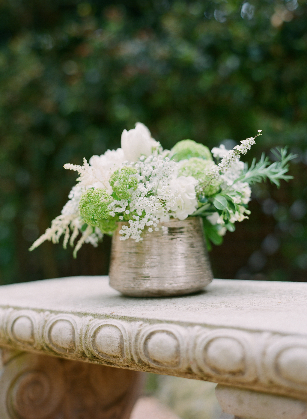 Styled-wedding-santa-barbara-chic-beaux-arts-photographie-italian-bohemian-wedding-flowers-white-bouquet-056.full