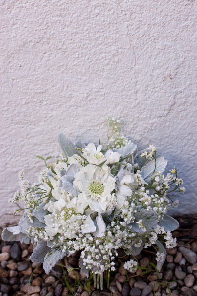 Santa-barbara-chic-floral-design-kelly-oshiro-events-white-flowers-bouquet-4.full