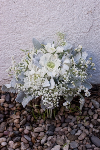 santa-barbara-chic-floral-design-kelly-oshiro-events-white-flowers-bouquet-6