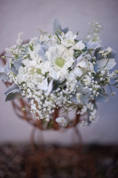Santa-barbara-chic-floral-design-kelly-oshiro-events-white-flowers-bouquet-9.full