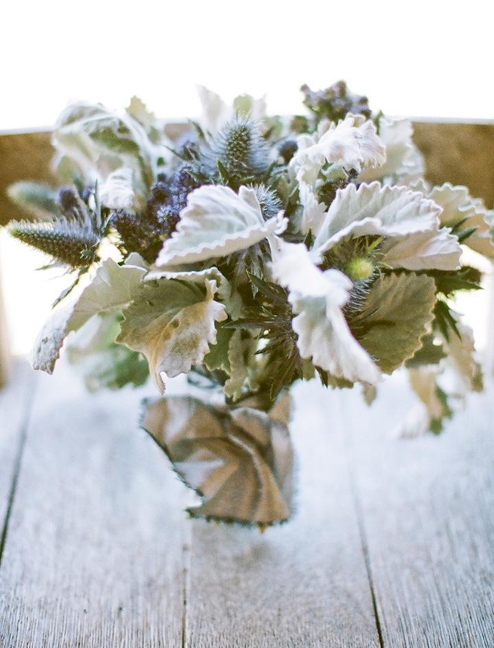 Modern-elegant-wedding-flowers-bridal-bouquet-with-dusty-miller.full
