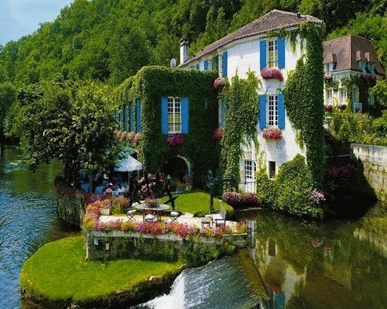 photo of Le Moulin de l'Abbaye Hotel via The Fancy