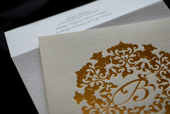 photo of foil stamped wedding invitations elegant metallic bridal trends 5