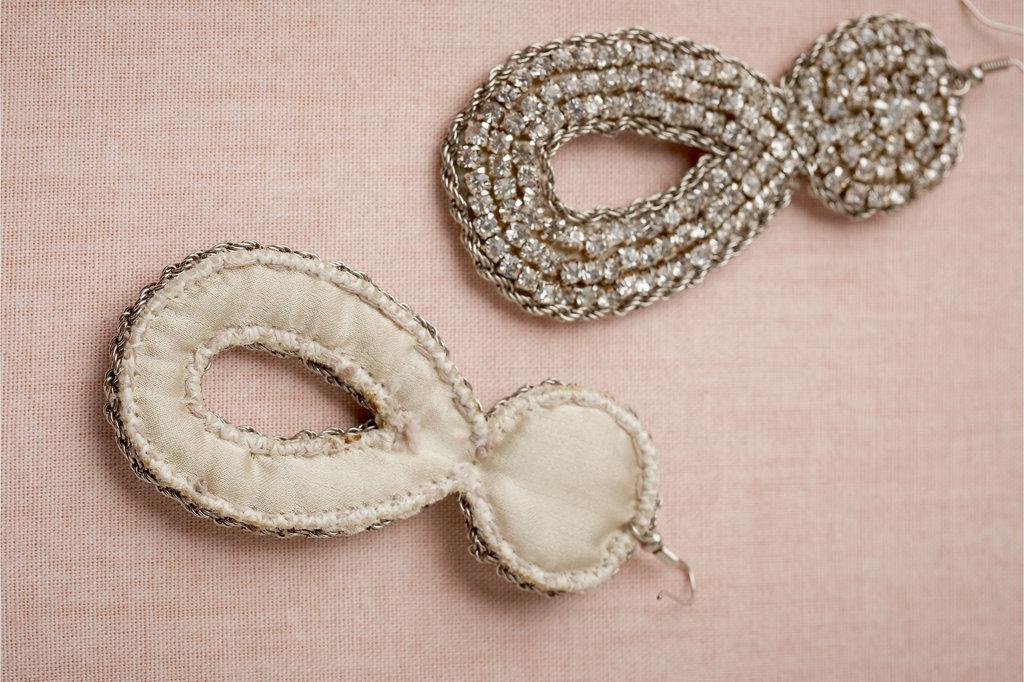 Bhldn-bridal-earrings-for-vintage-glam-brides.full