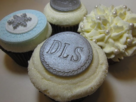fondant wedding finds to add sweetness to handmade weddings monogrammed