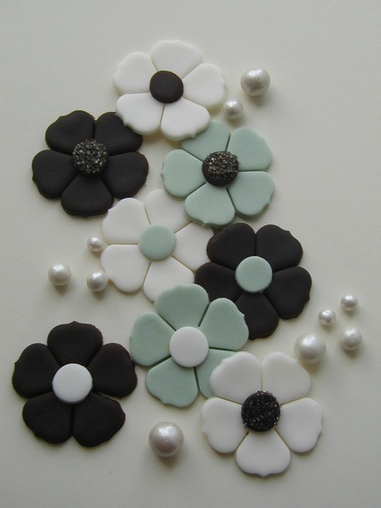 fondant wedding finds to add sweetness to handmade weddings cake flowers black white aqua