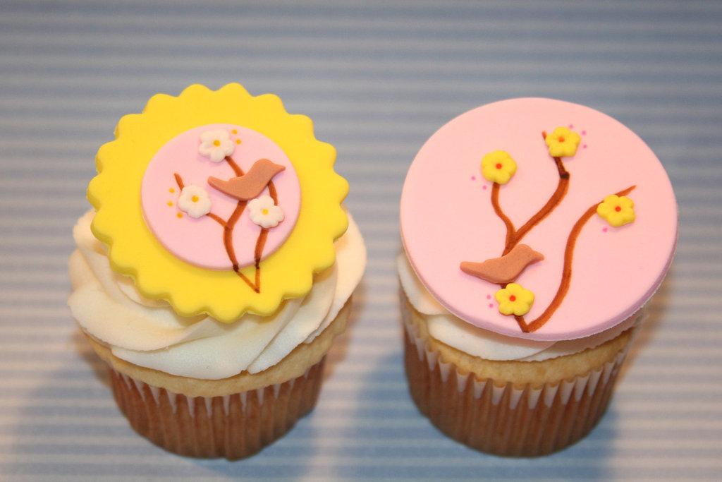 Fondant-wedding-finds-to-add-sweetness-to-handmade-weddings-cherry-blossom.full