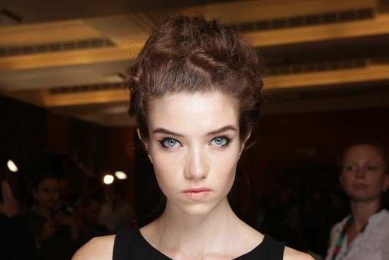 bridal beauty inspiration wedding day makeup temperley london fashion week cat eyes