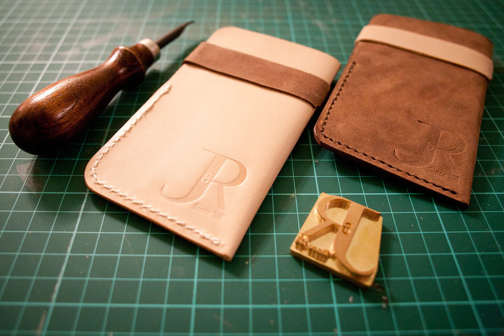 5-easy-ways-to-personalize-the-wedding-diy-weddings-leather-stamp.full