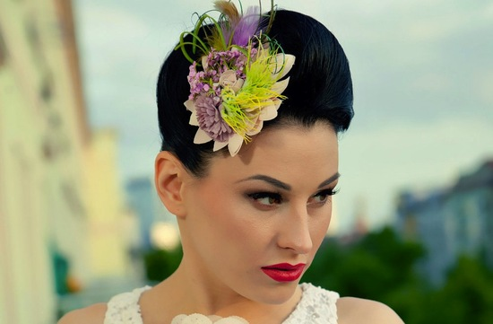bold wedding ideas electric colors feather fascinator for brides
