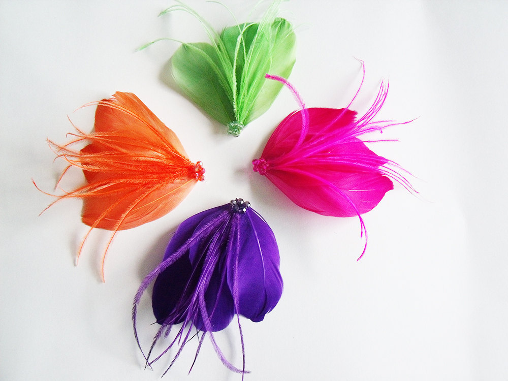 bold wedding ideas electric colors feather boutonnieres