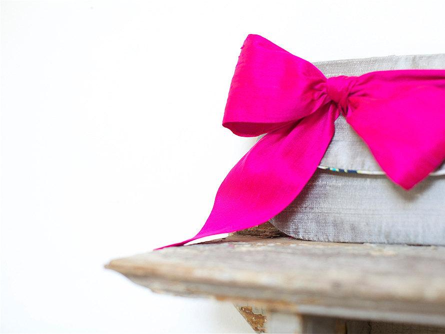 Bold-wedding-ideas-electric-colors-bridesmaid-clutch.full