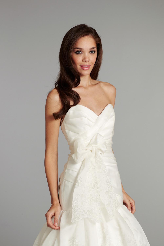 Bridal-gown-wedding-dress-jlm-hayley-paige-fall-2012-savannah-detail.full
