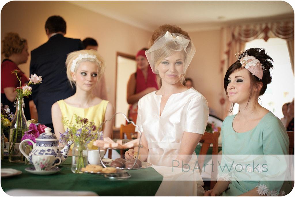 Retro-wedding-treasures-for-vintage-brides-bride-with-maids.full
