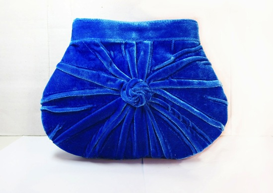 retro wedding treasures for vintage brides blue velvet clutch