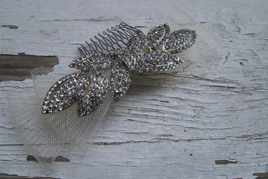 retro wedding treasures for vintage brides hair clip
