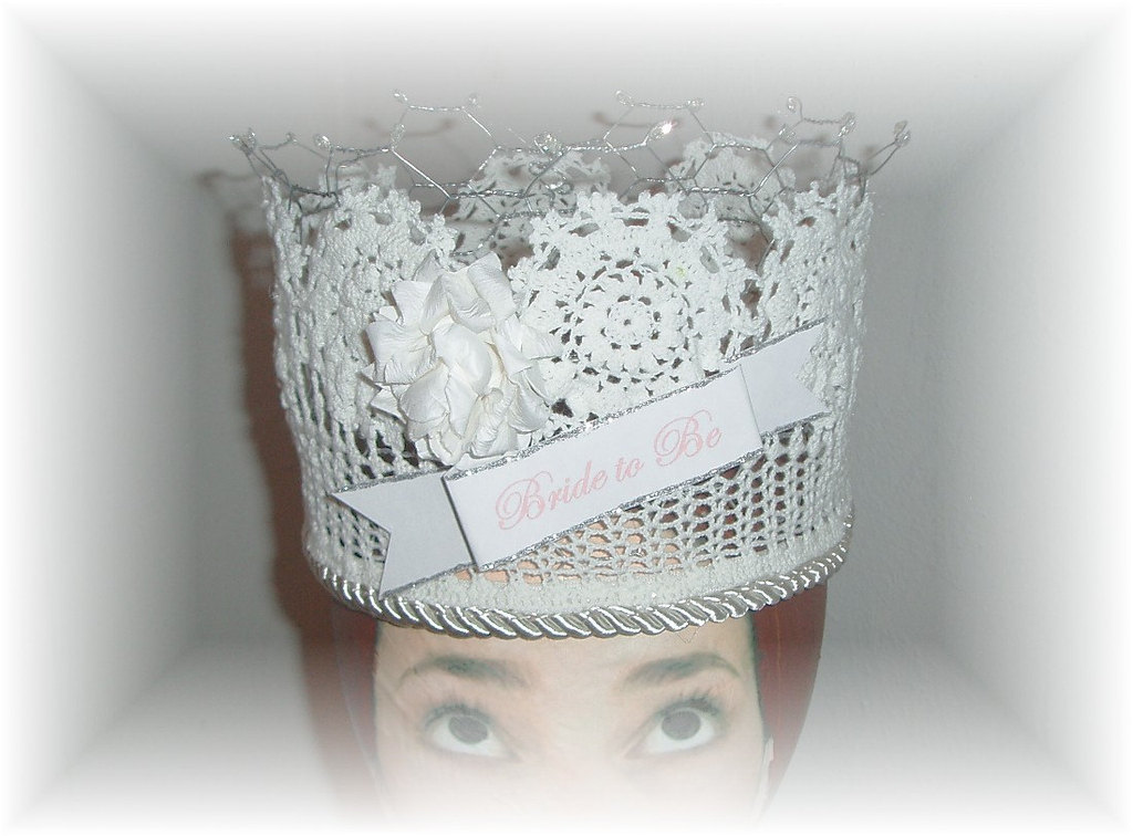 Bad-bachelorette-party-gifts-chicken-wire-crown.full
