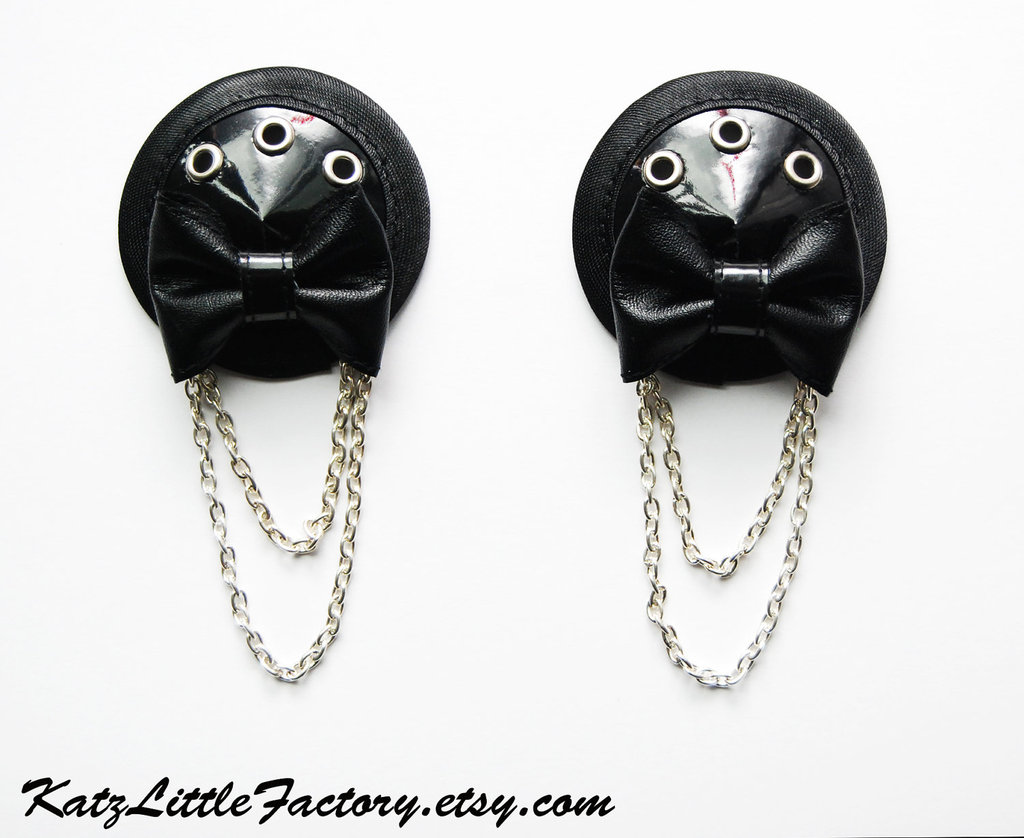 Good-bad-ugly-of-bachelorette-party-gifting-dominatrix-pasties.full