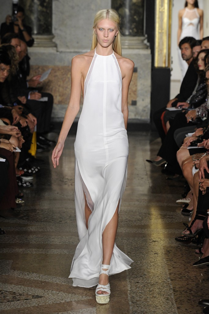 Nearly-white-gowns-perfect-for-the-wedding-fashion-week-inspiration-pucci-3.full