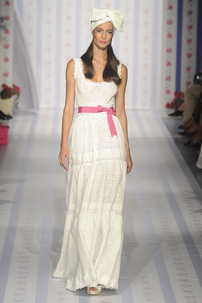 Nearly-white-gowns-perfect-for-the-wedding-fashion-week-inspiration-luisa-beccaria-1.full