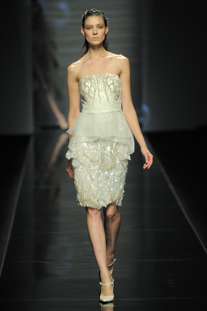 Nearly-white-gowns-perfect-for-the-wedding-fashion-week-inspiration-alberta-ferreti-lwd.full