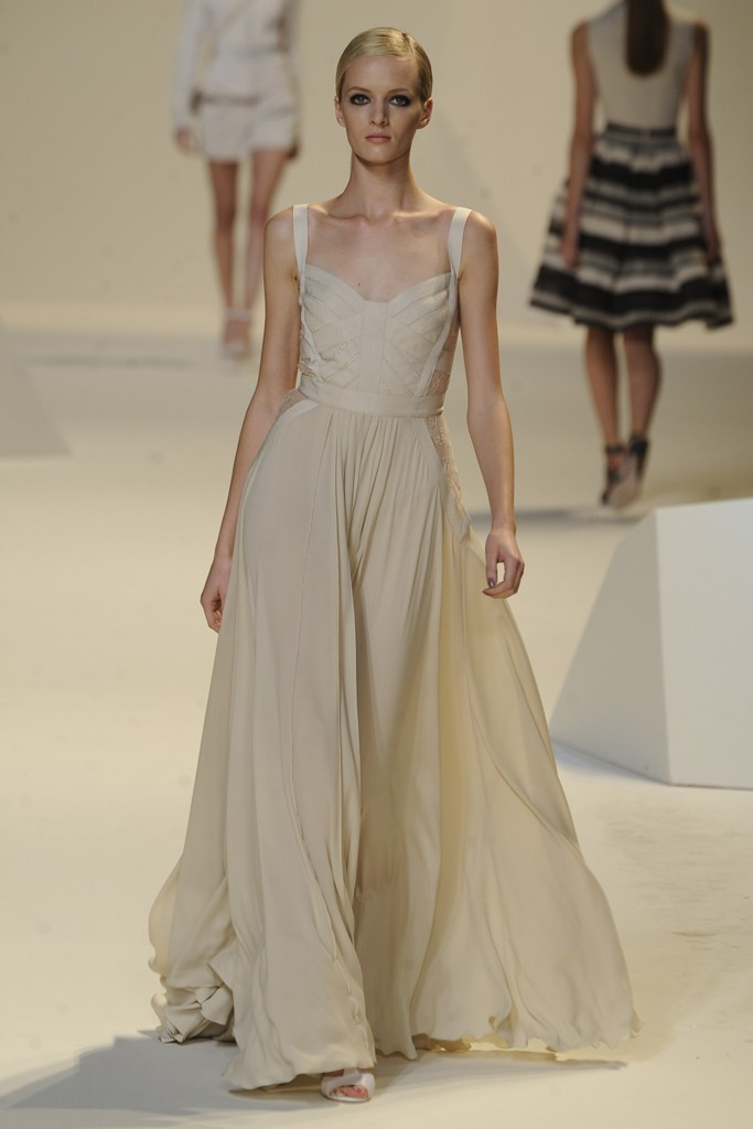 Nearly-white-gowns-perfect-for-the-wedding-fashion-week-inspiration-elie-saab-1.full