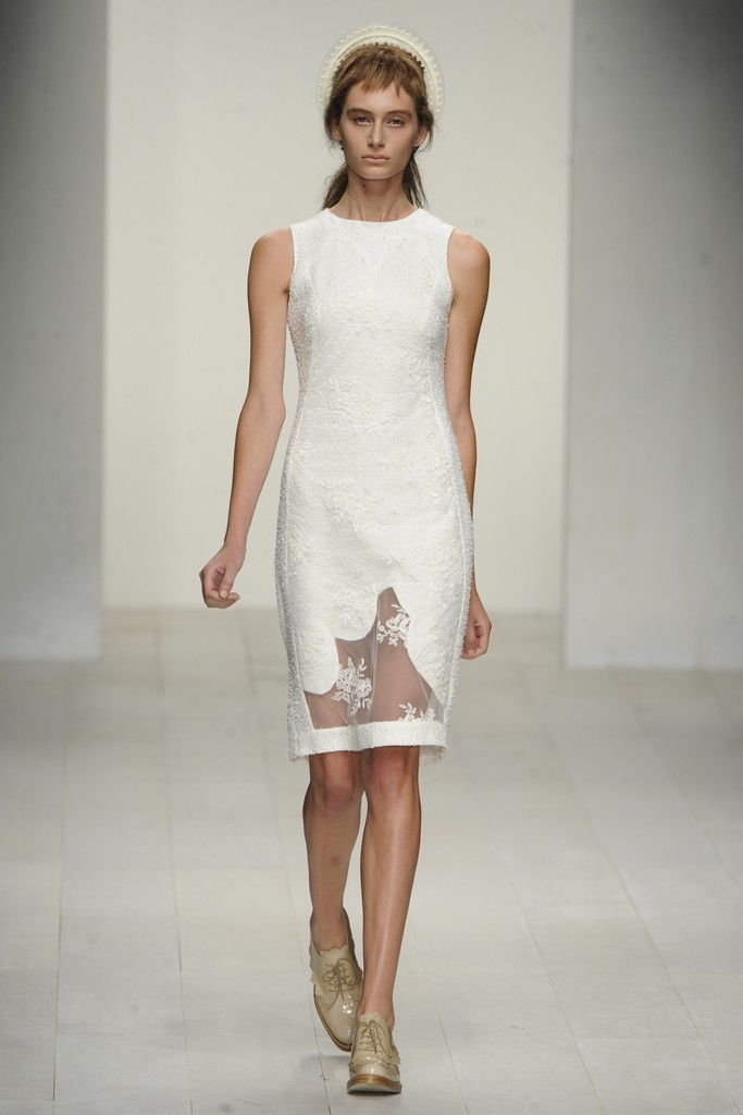 Nearly-white-gowns-perfect-for-the-wedding-fashion-week-inspiration-simone-rocha.full