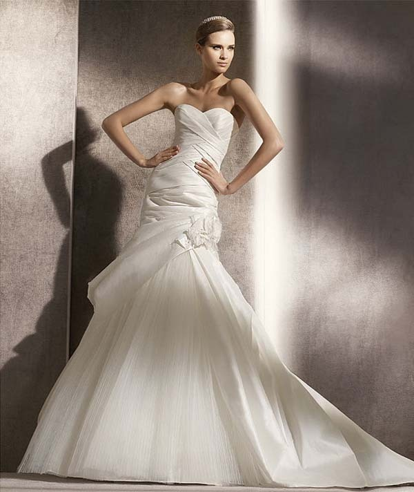 530061f%20-%20couture%20bridal%20gowns%20by%20darius%20cordell%20fashion%20ltd.full