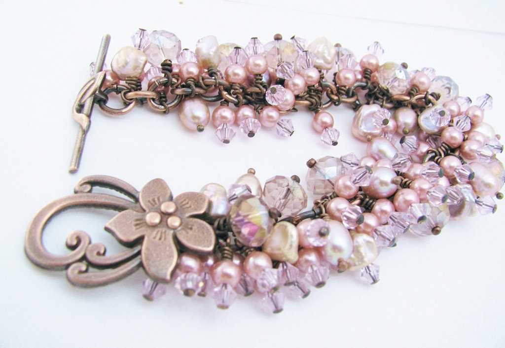 Something-pink-for-the-charitable-bride-breast-cancer-awareness-pretty-bracelet.full