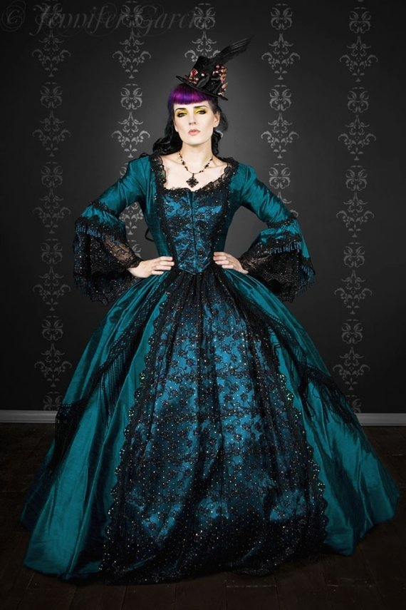 Gothic-wedding-style-handmade-bridal-gowns-in-bold-colors-1.full
