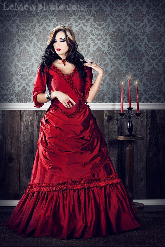 Gothic-wedding-style-handmade-bridal-gowns-in-bold-colors-red.full