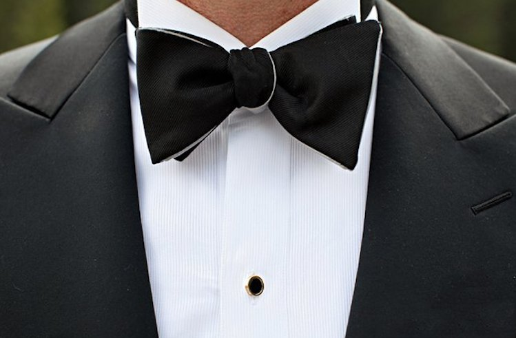 Elegant-black-tie-groom-bow-tie.full