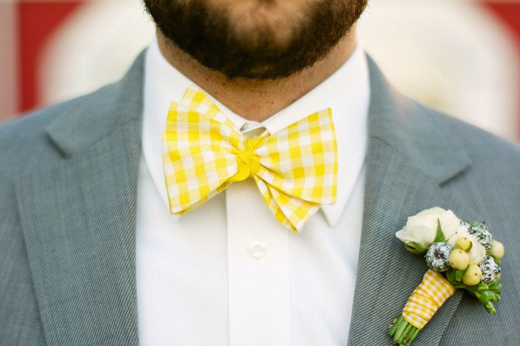 Grooms-wedding-attire-awesome-bow-ties-for-stylish-guys-white-yellow-gingham.full