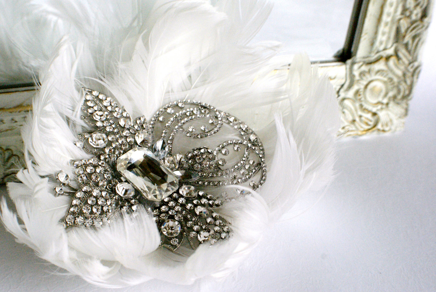 Bejeweled bride wedding accessories feather hair comb for Where to buy wedding accessories