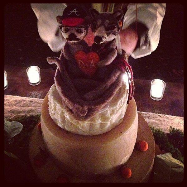 Real-wedding-amber-tamblyn-david-cross-upstate-new-york-instagram-cake-8.full