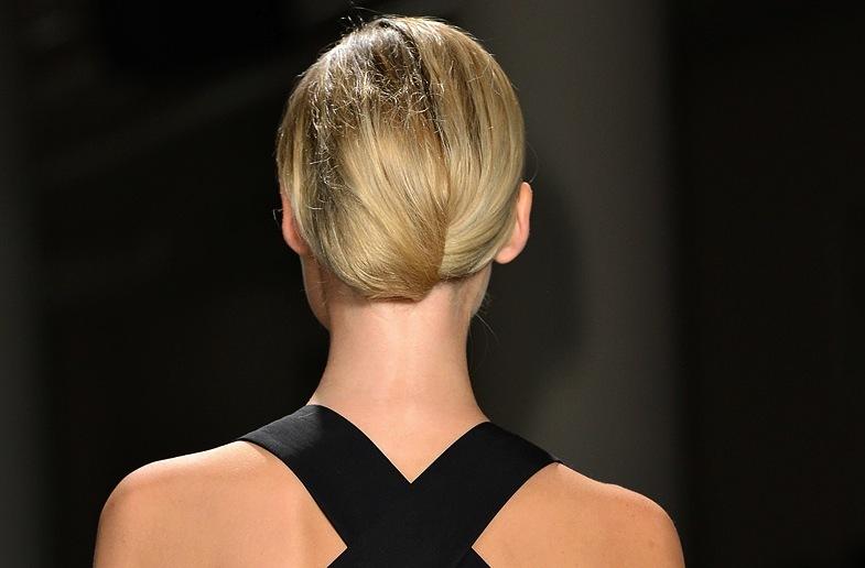 Bridal-updo-wedding-hair-inspiration-fashion-week-sophie-theallet-4.full