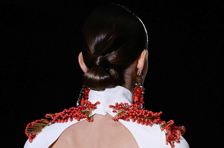 Bridal-updo-wedding-hair-inspiration-fashion-week-gucci-3.full