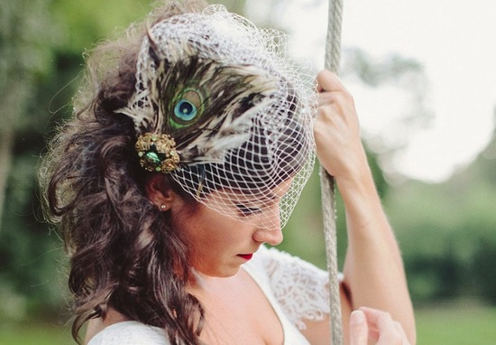 emerald green for elegant fall weddings fascinator