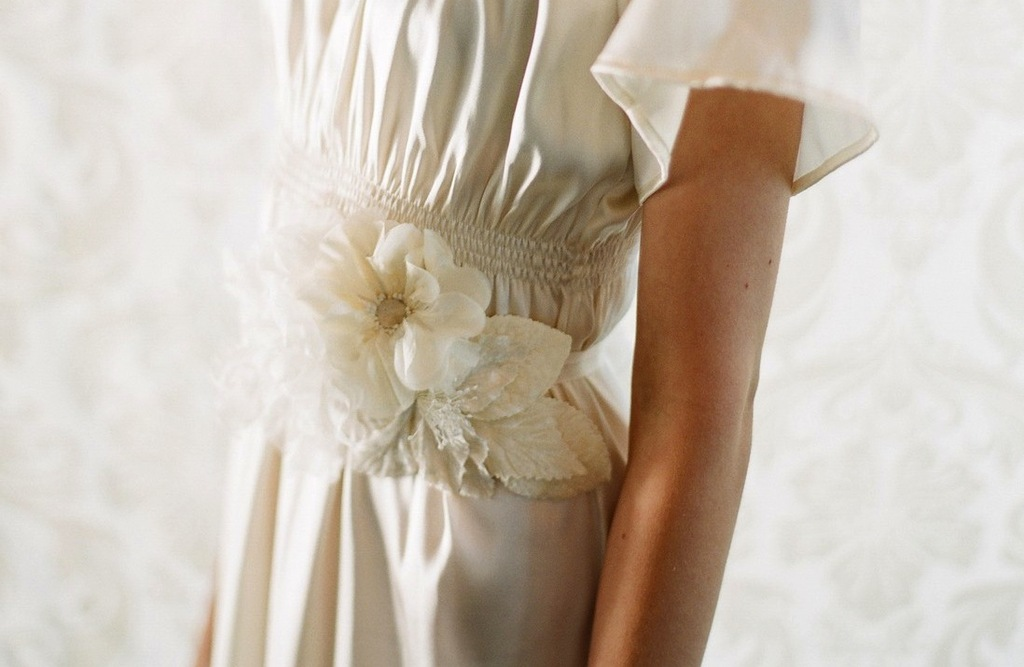 Fall-winter-wedding-ideas-handmade-velvet-treasures-from-etsy-bridal-belt.full