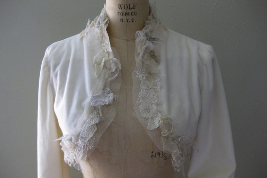 fall winter wedding ideas handmade velvet treasures from Etsy bolero