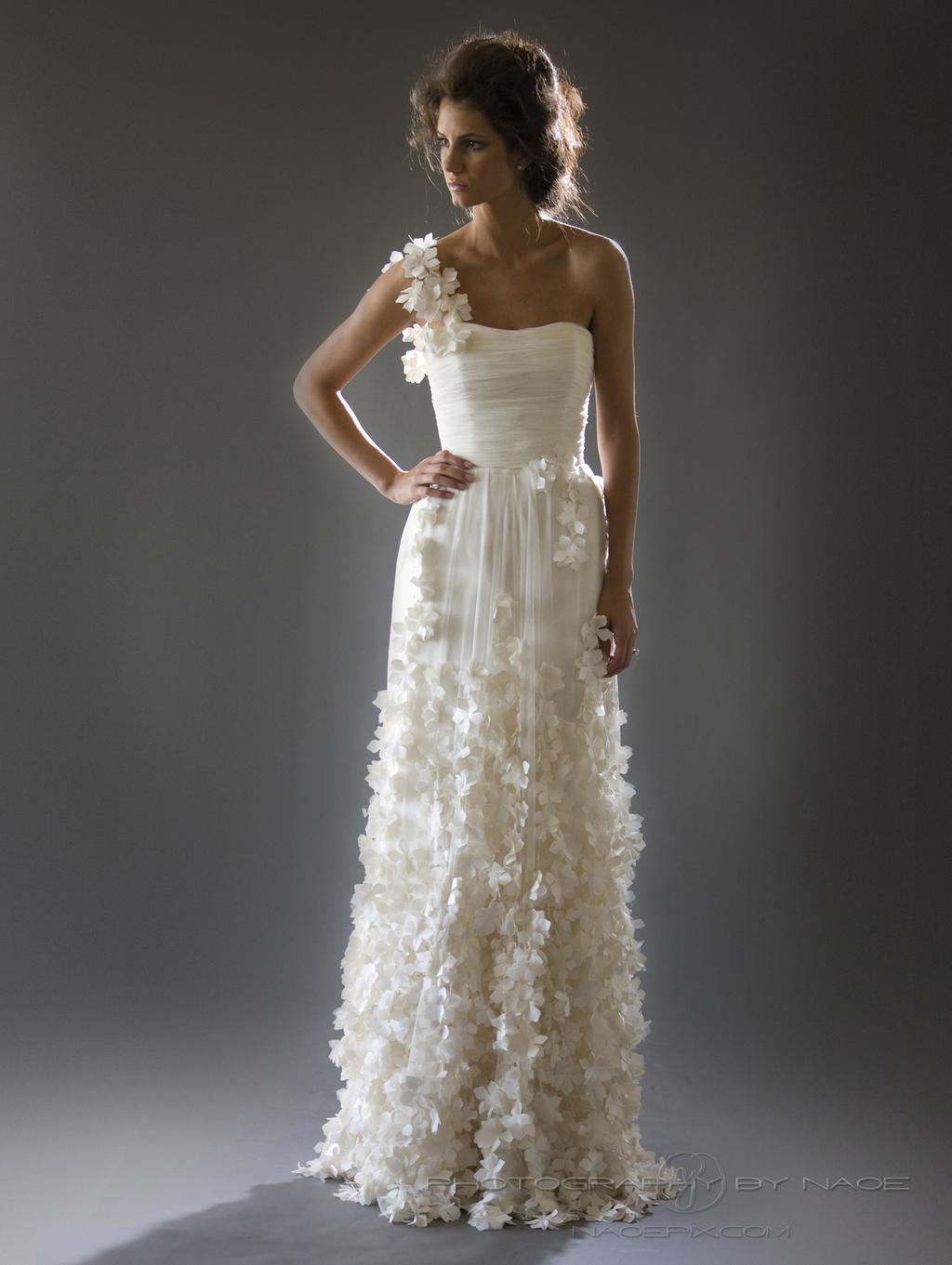 Wedding-dress-spring-2013-bridal_gown-cocoe-voci-5.full