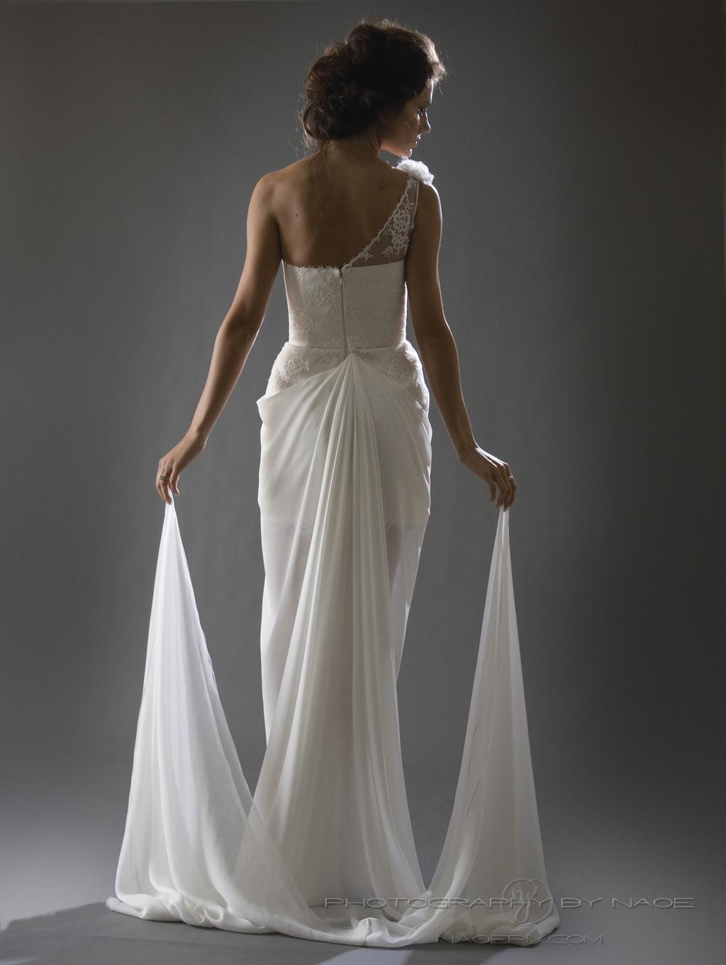 Wedding-dress-spring-2013-bridal_gown-cocoe-voci-9-back.full