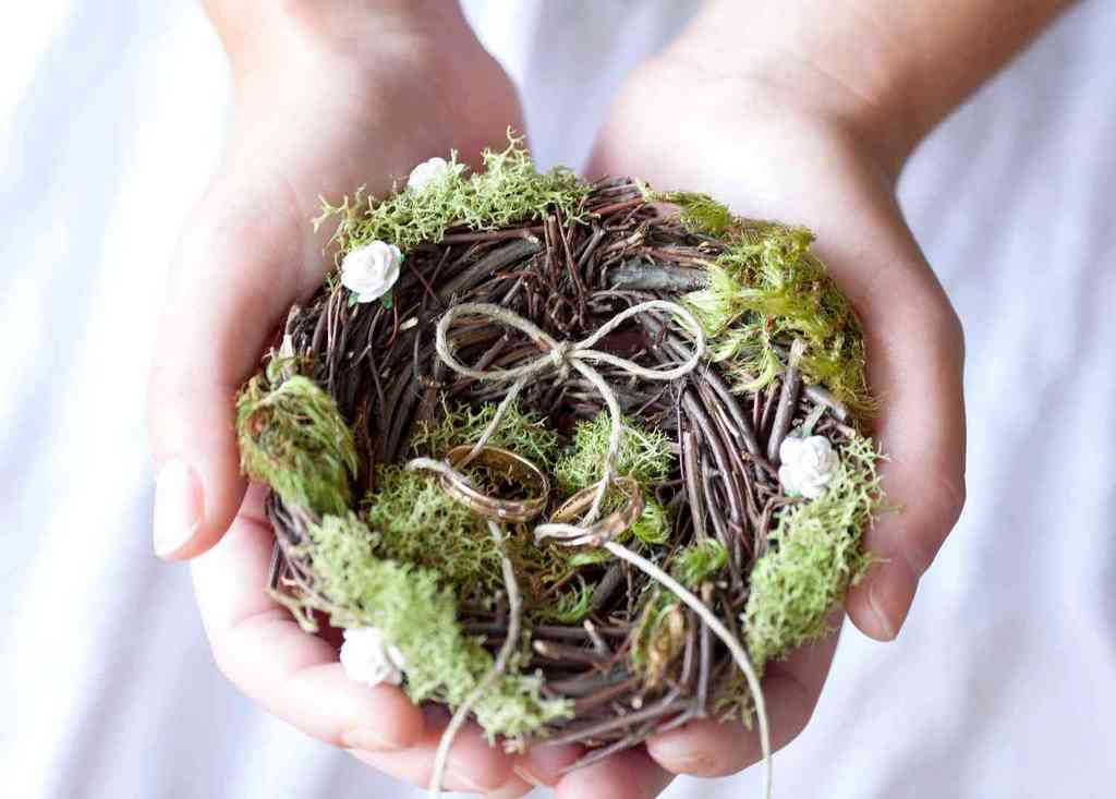 Memorable-moss-wedding-decor-for-ceremony-reception-rustic-ring-bearer-pillow.full
