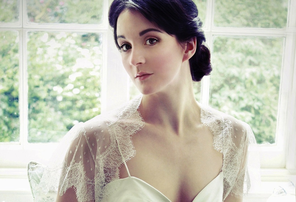 Beautiful-bridal-boleros-to-top-a-simple-wedding-dress-dotted-lace-tulle.full